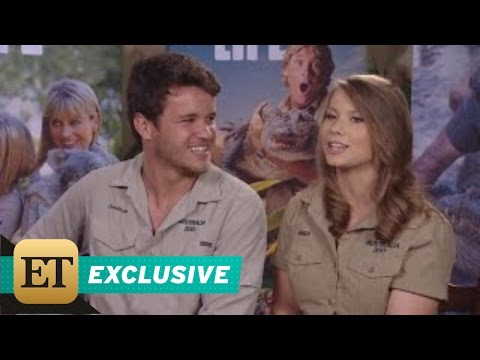 Bindi Irwin shops for a double bed and homewares with