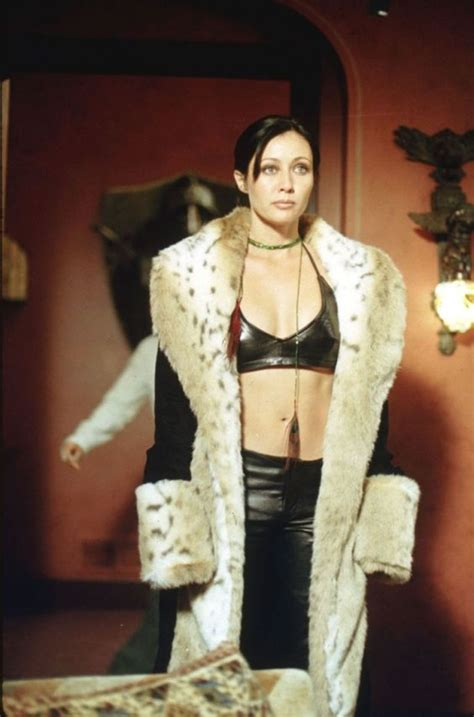 """Prue Halliwell's Top Ten Fashion Moments on """"Charmed"""