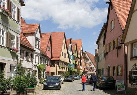 Wife spending 2 weeks in Stuttgart - what to do and how to
