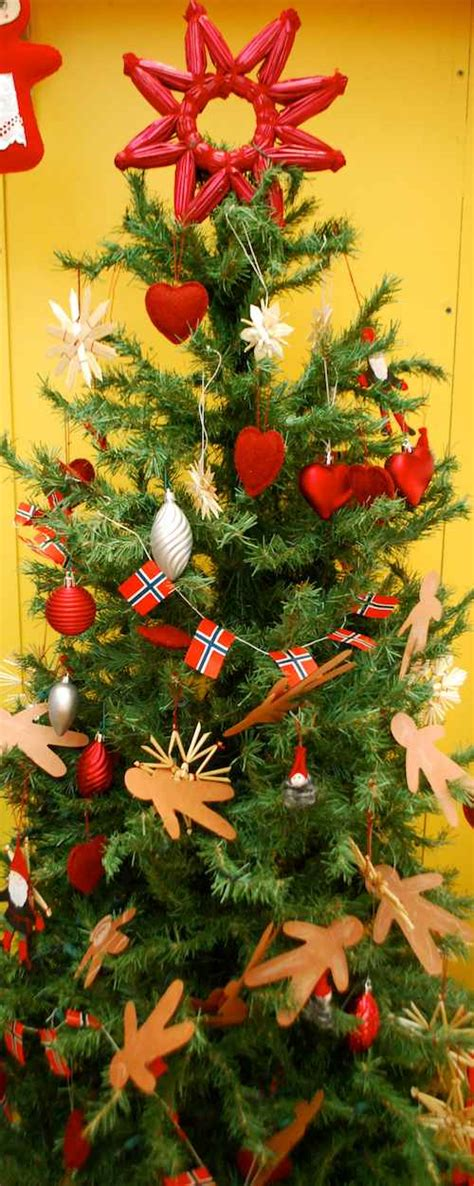 Christmas in Norway (+ a Craft!)