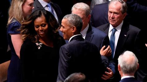 Why the Bush-Obama #candygate moment matters - Chicago Tribune