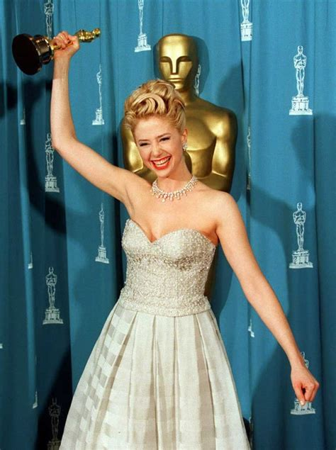 Mira Sorvino, 1996 | Pictures From the Oscar Press Room
