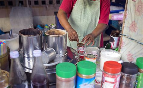 8 common Thai drinks to try from the local street vendors