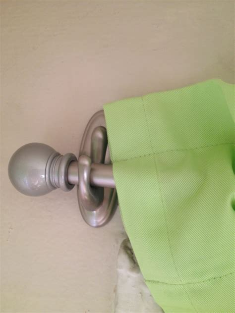 Hang Curtain Rods with Command Hooks!   Tips and Tricks