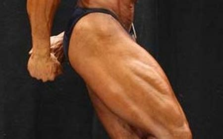 The Top 5 Exercises For Increasing Quads Mass | Muscle