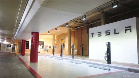 News - Tesla Opens Melbourne Store at Chadstone