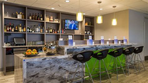 Norwegian partners with Escape Lounge at Oakland-San