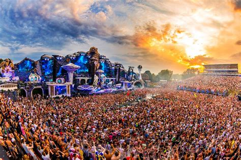 Here's why Tomorrowland is the best dance music festival