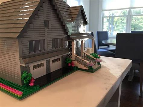 This Etsy Shop Builds Scale Models of Homes with LEGOS