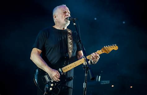 Spooky footage emerges of David Gilmour's abandoned £10