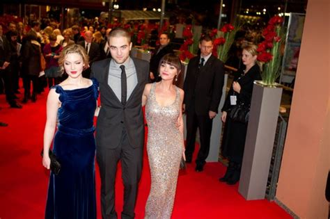 Robert Pattinson's Family Turns Out To Support Him At The